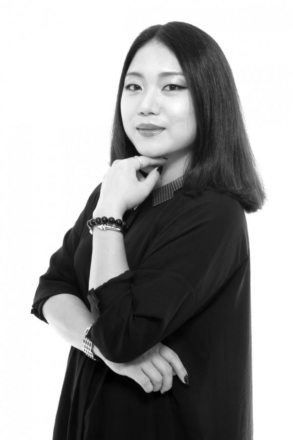 Mia Jianxia Ji_Headshot2